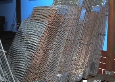 siatki, panele z drutu przygotowane do ocynkowania
